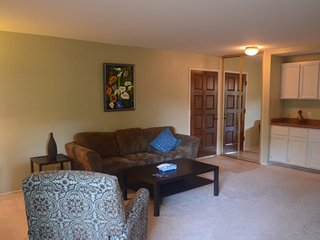 Furnished 2-Bedroom Condo at E Middlefield Rd & Easy St Mountain View