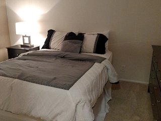 Furnished Studio Apartment at Hilgard Ave & Lindbrook Dr Los Angeles, Los Ángeles