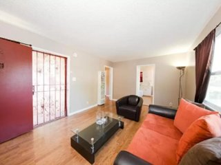 Furnished 2-Bedroom Apartment at W Slauson Ave & S Verdun Ave Los Angeles, Los Ángeles