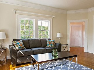 STUNNING 1 BEDROOM APARTMENT IN WEST HOLLYWOOD, West Hollywood