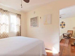 Furnished 1-Bedroom Home at 6th Ave & San Juan Ave Los Angeles, Los Ángeles