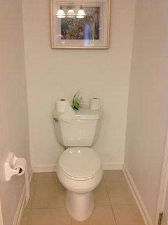 Master Bathroom (3rd floor)