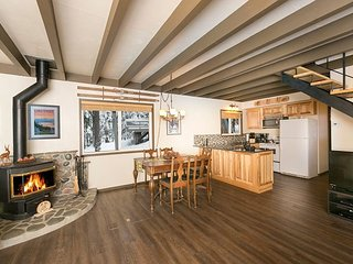 Pineland - Three Bedroom Tahoe City Classic Cabin - Dogs OK Too!!