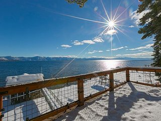 Boater's Paradise -  6 BR Lakefront w/ Buoy, Pier, Hot Tub, & Boathouse!!, Carnelian Bay