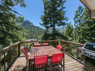 Juniper  - Stunning Views and Brand New Hot Tub at this 4 BR Ski Cabin