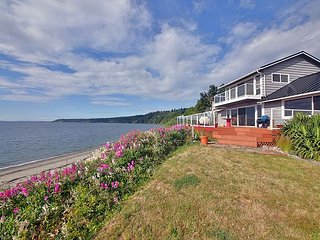 Waterfront home with private beach access. 2 bed+den, 2 bath. (245)