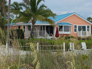 Spectacular Beachfront Home with 46' Private Pool, Fort Myers Beach