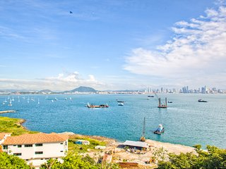 Stunning Views & Great Value, Panama City