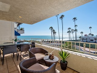 Ocean views, steps to beach access & restaurants!