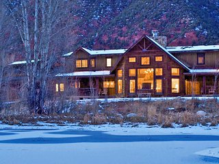 Aspen Cozy Mountainside Luxury Villa
