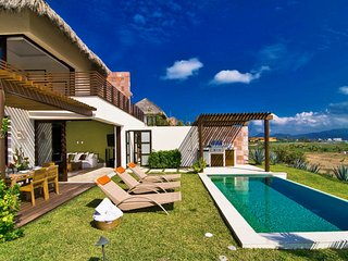 Tranquil Luxury Villa with Ocean Views in Punta Mita