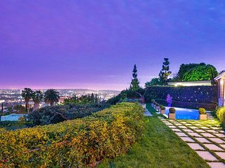 Hollywood Hills Tranquil Oasis Luxury Villa With Pool And View