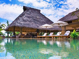 Luxury Golf and Lakefront Villa in Lagos del Mar