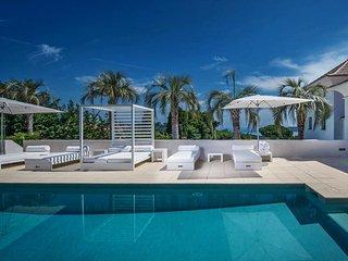 Luxury Modern Art Villa with Pool in Saint Tropez, Saint-Tropez