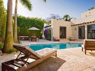 Miami Resort Style Modern Art Deco Luxury Villa with Pool, Miami Beach