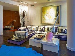 Tribeca Designer Luxury Condo in New York City