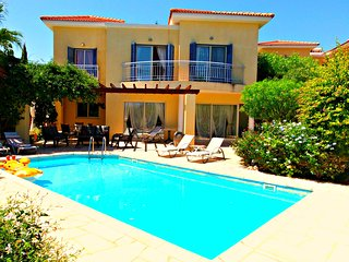 Latchi Beach - 3 Bed Villa - 200m To Latchi Beach