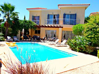 Latchi Beach Prime location 3 Bed Villa Pool WiFi