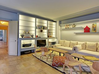 Splendid One Bedroom with Private Garden - Invalides, Paris