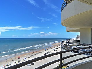 NEW! 2BR Daytona Beach Condo w/Oceanfront Views!, Daytona Beach Shores