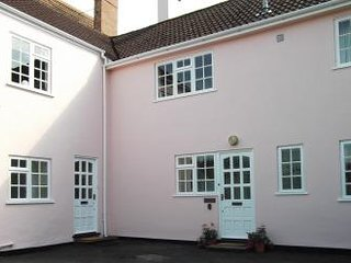 Exmoor Holidays - Free off road parking for 2 cars at the front of  house, quiet location in Porlock