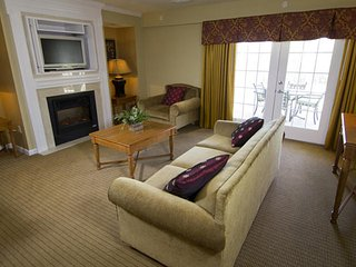 Fantastic 4 BDR at Popular Greensprings Vacation Resort. Sleeps 12. $259 up!