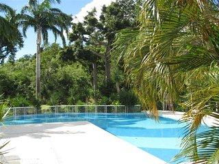 Très bel F3 au RdC avec piscine, proche plage