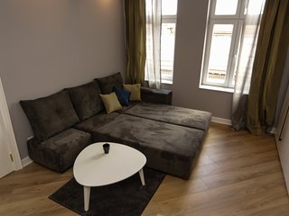Option with duble bed in living room