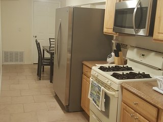 Wonderful 2 Bedroom apt 15 mins to NY