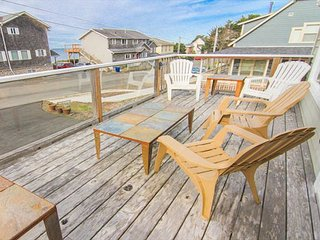 Fun for Everyone in this Gracious Oceanview Home, Lincoln City