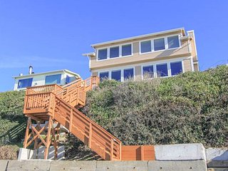 DaySea Cottage offers spectacular ocean views and spacious accommodations!