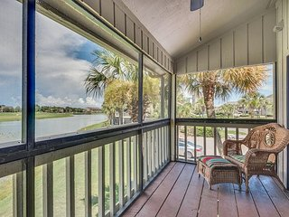 Amazing Spacious Seascape Lakefront Villa. Near the Beach. Perks Included!, Miramar Beach