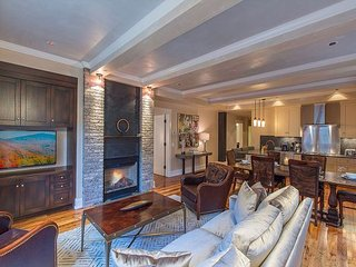 NEW ~Tellurium@Element 52 Auberge Residence, 2 Luxury Suites+, Ski Valet, Spa, Telluride