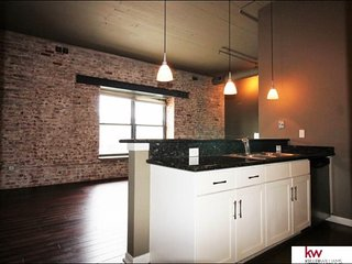 **FABULOUS OLD MARKET/DOWNTOWN LOFT, Omaha