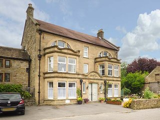 OLD OAK APARTMENT, duplex apartment, WiFi, great for touring, in Eyam, Ref 937042