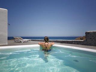 Casa Di Mare Villa, exterior Hot Tub, Imerovigli