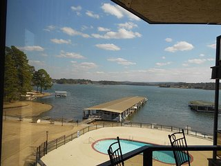 Lake Hamilton Waterfront Condo