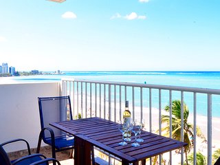 Direct on Beach, In Middle of Casinos, Restaurants, Isla Verde