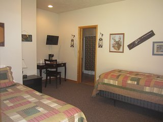 Montana's Wolf Creek Lodge - Room 1