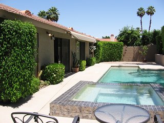3 BR w/ Private Large Heated Salt Water Pool & Spa, Palm Desert