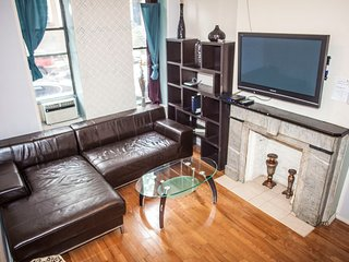 Large Two bed apt, in Times Square