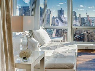 Midtown Jewel Diamond 4 BR 4 Full bath, 2 Half bath Apartment on West 36th & 5th