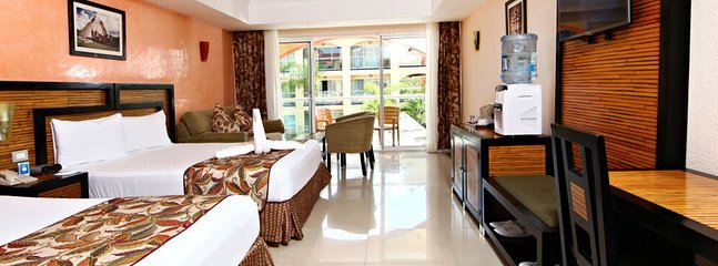riviera Junior suite with 2 double beds and Jacuzzi in the room