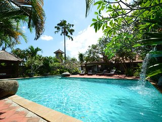 Large 3BR villa with huge pool, close to Seminyak, Kerobokan