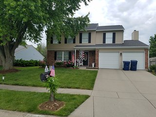 2 story home by a nice Park in great location, Fishers