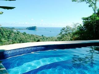 Casa Samba - Ocean View Villa w/ Pool & Jacuzzi, Manuel Antonio National Park