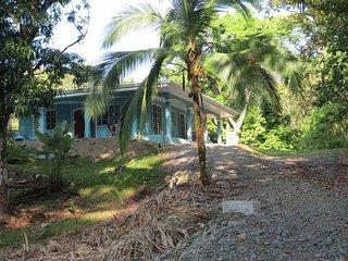 Casa Bella. casa tico, Parque Nacional Manuel Antonio