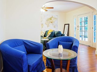 COMFORTABLE AND FURNISHED 2 BEDROOM HOME IN LOS ANGELES, West Hollywood