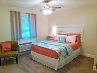 NEW LISTING!! Beach Time Studio, Biloxi