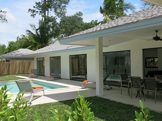 Maprao Villa-4: 4 Bdrm, swimming pool, 1 km from sea, Mae Nam